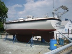 Side view showing davits by Kato